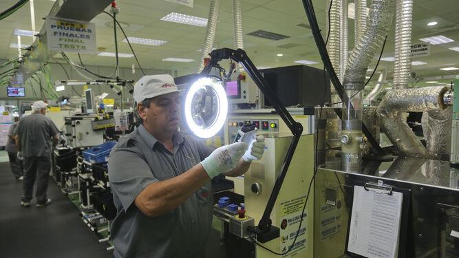 Coronavirus en Sevilla: Empleo comienza a aprobar los primeros ERTE por causa de fuerza mayor