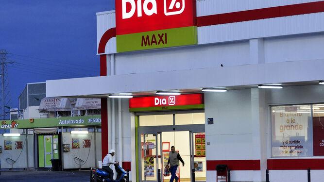 Supermercados Dia limita su horario y obliga a mantener una distancia mínima de seguridad