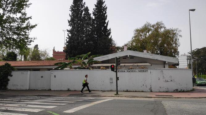 Movilización vecinal contra un posible tanatorio en Manuel Siurot