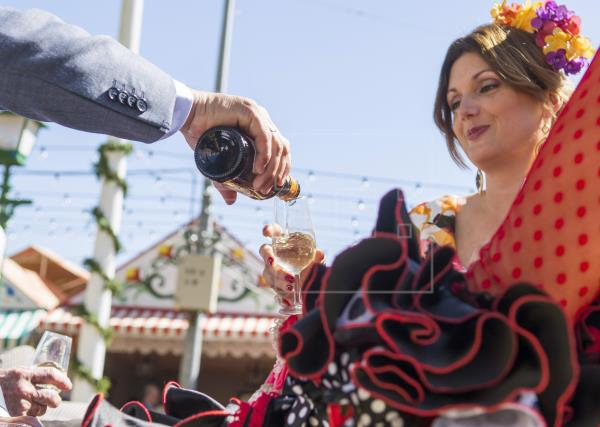 Aplazamiento de la Feria de Sevilla: ¿Qué hacemos con tanto vino?