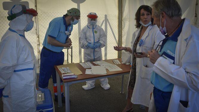 Detectives sanitarios tras los pasos del coronavirus
