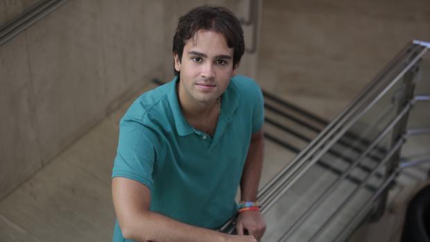 Javier Tello, el estudiante con 38 matrículas de honor en la Universidad de Sevilla