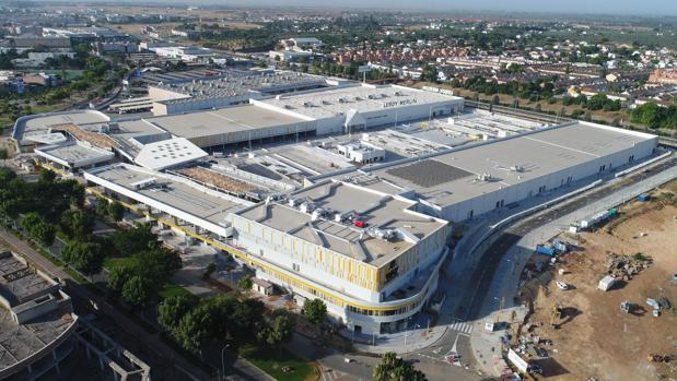 Sevilla abrirá en septiembre su tercer centro comercial en tres años