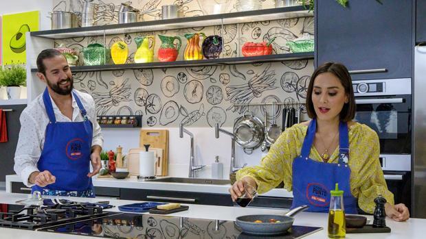 Tamara Falcó vuelve a los fogones: «Me decían que metiera más caña al chef Peña»