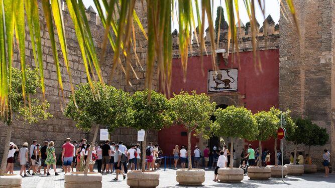 Tener fiebre no impide la entrada a los monumentos en Sevilla
