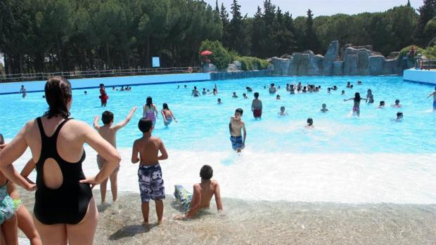 Parques acuáticos de Sevilla: disfruta de Isla Mágica y Aquópolis