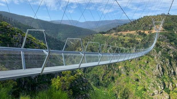 Así es el nuevo puente peatonal suspendido más largo del mundo