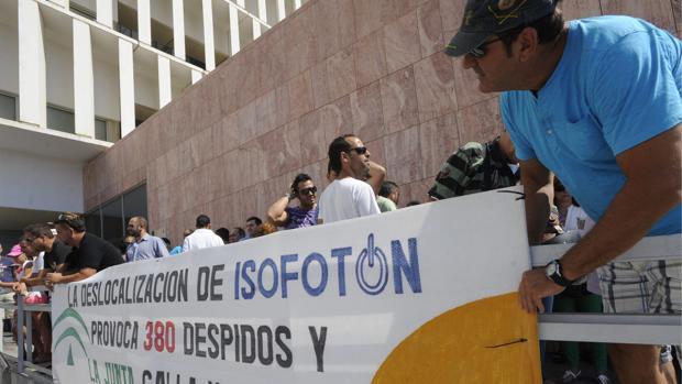 La UDEF acusa al Gobierno de Susana Díaz de ocultar 43 millones en ayudas a fondo perdido de Isofotón