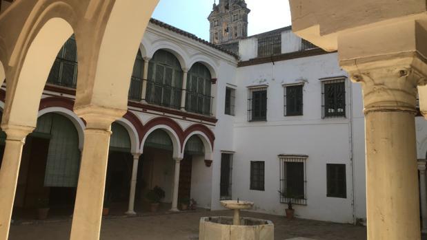 Sale en alquiler un monasterio en Sevilla para hospedería, usos turísticos y culturales
