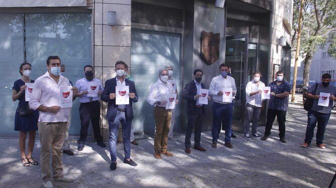 La hostelería exige ayudas inmediatas y planea un paro total en Andalucía