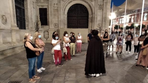 La historia de las brujas de Sevilla se descubre en sus calles