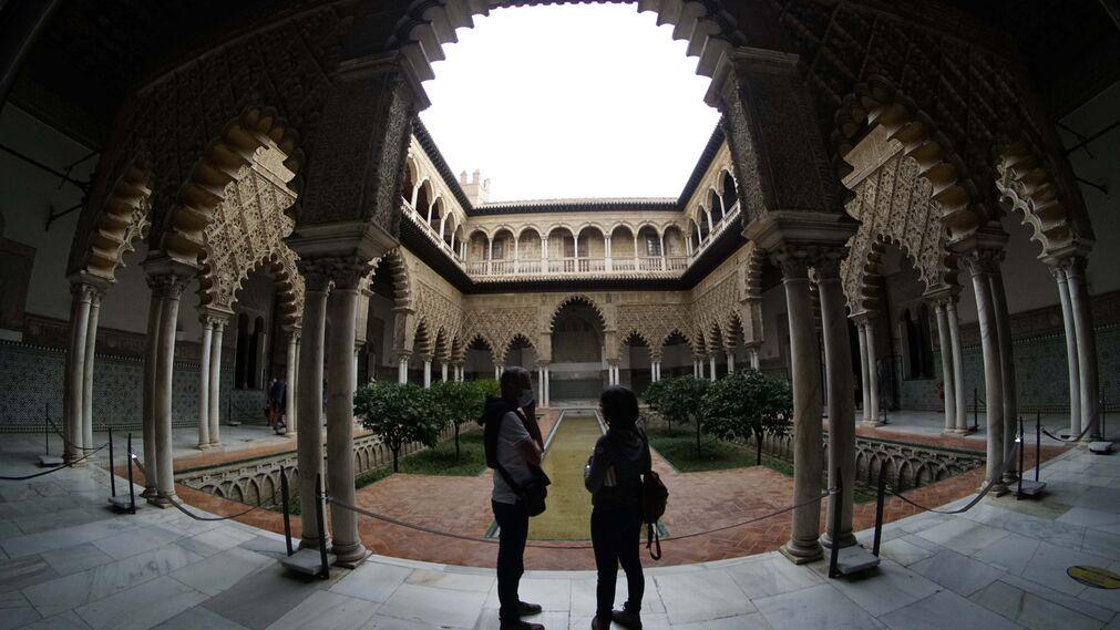 Una nueva ruta descubre el Alcázar a través de los rodajes de películas y series
