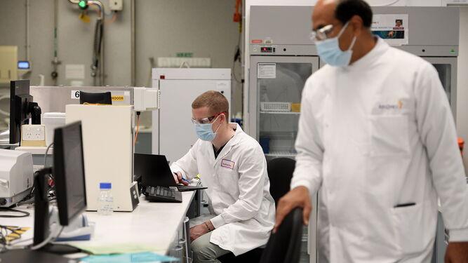 Reino Unido prevé comenzar la vacunación a final de año