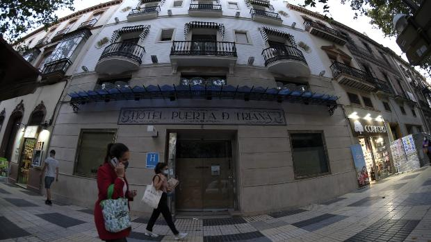 Una decena de hoteles de Sevilla anuncia el cierre tras las restricciones por el coronavirus