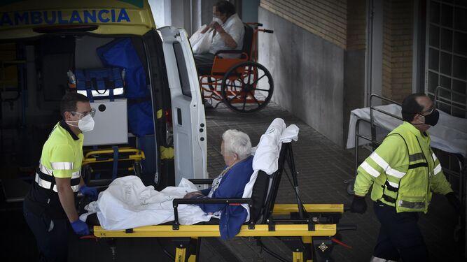 Inquietud en el Hospital de Osuna ante una situación «realmente crítica» en el centro