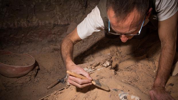 Arqueólogos andaluces descubren en Egipto restos de un tratamiento ginecológico realizado hace 4.000 años