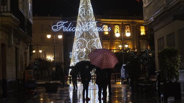 Andalucía enciende sus luces de Navidad pero sin espectáculos ni sonidos