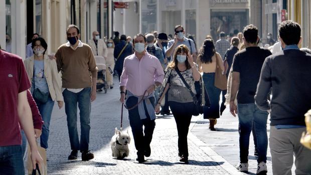 Andalucía baraja adelantar el toque de queda a las siete de la tarde a partir del lunes