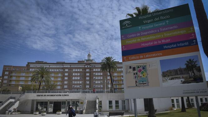 La presión del Covid obliga a desalojar la planta de Oncología del Virgen del Rocío para ganar camas