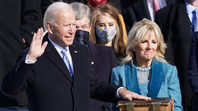Joe Biden jura el cargo como nuevo presidente de EEUU