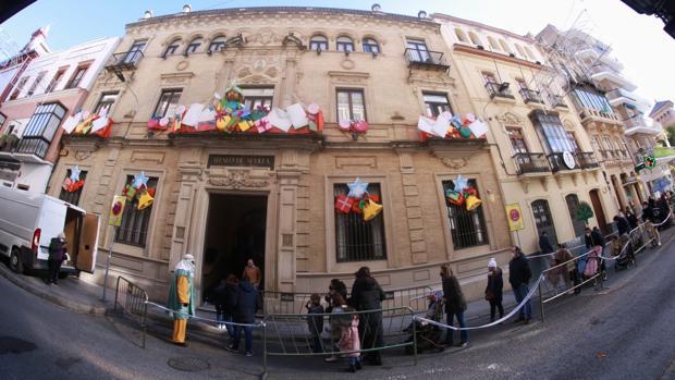El Ateneo de Sevilla entrega más de 6.500 juguetes a familias en riesgo de exclusión