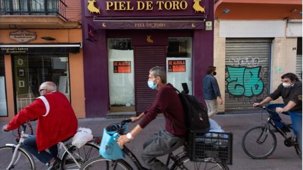 La crisis abre una brecha entre las calles comerciales de Sevilla, que viven una situación desigual a causa de la pandemia