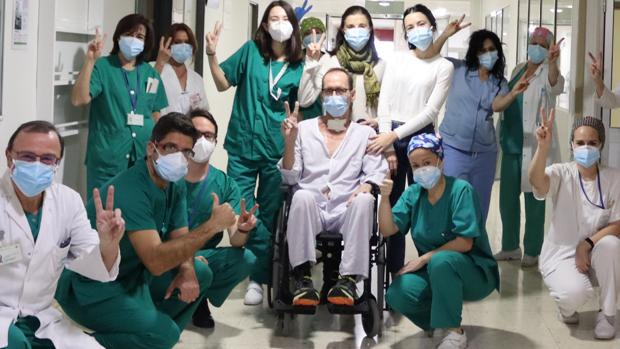 Vicente Bermúdez, el paciente más días ingresado: «Dos médicos de la UCI me han traído del otro barrio»