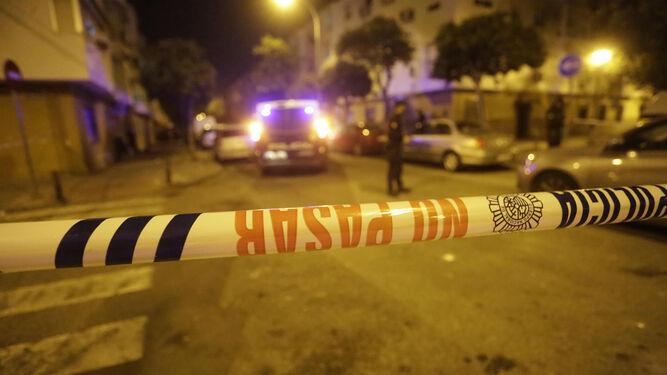 La víctima de San Jerónimo recibió varias puñaladas delante de su mujer y su hija
