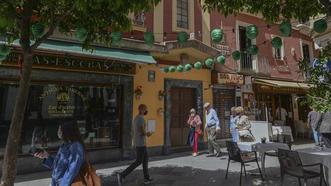 Sevilla respira con más curados que nuevos positivos