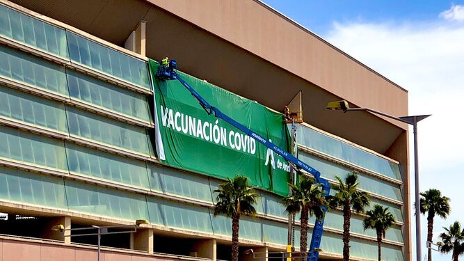 Arranca la vacunación masiva en el Estadio de la Cartuja de Sevilla