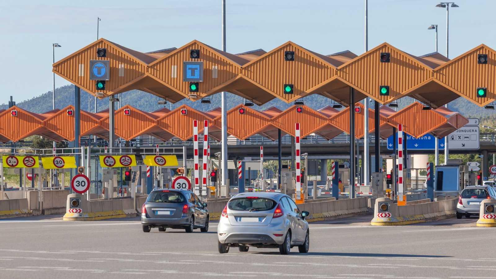 El Gobierno implantará peajes en todas las autovías en 2024