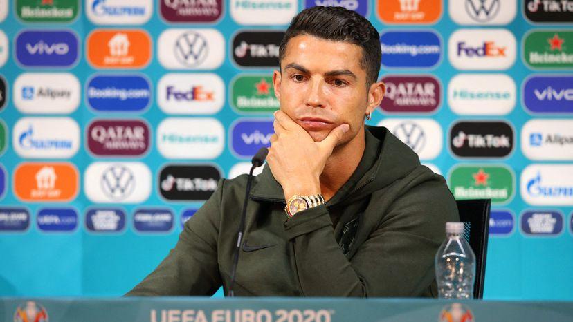 Cristiano Ronaldo rechaza una Coca-Cola y la empresa pierde casi 4.000 millones de dólares de valor en Bolsa