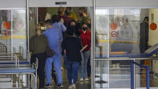 Coronavirus: Salud confirma un brote vinculado a Médicos Residentes en el Virgen del Rocío con 4 positivos