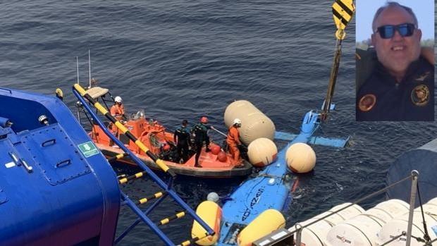 Así ha sido el complicado rescate del helicóptero de Aduanas en el que viajaba el funcionario fallecido
