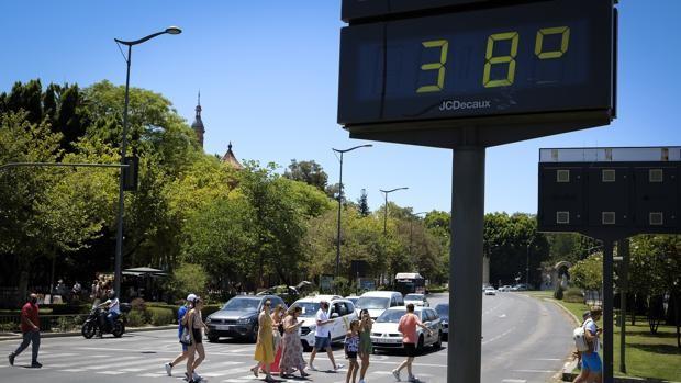 El tiempo en Sevilla: la Aemet activa este lunes el aviso amarillo por calor con una máxima cercana a los 40 grados