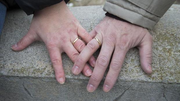 Los matrimonios de conveniencia crecen en tiempos de crisis en Sevilla